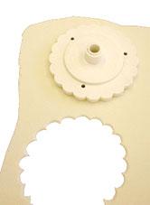عجينة المرزبان  وطرق تزين التورت باستخدامهاmarzipan choc-heart-5.jpg