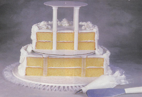 how to make a 2 tier stacked wedding cake wedding cake stands 15771