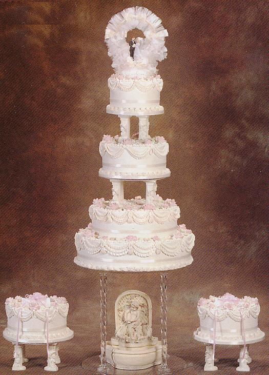 Wedding Cake Decorating Instructions Delicate Cherub